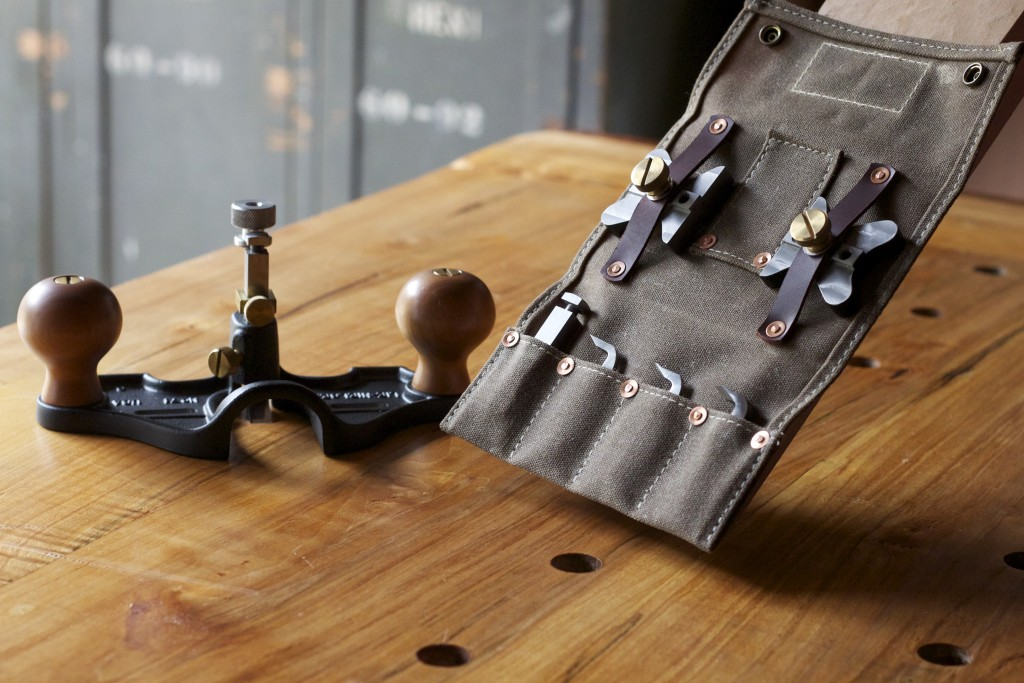 Router Plane Wallet